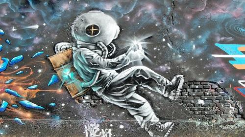 אמנות רחוב, בתי ספר וחדרי בנים